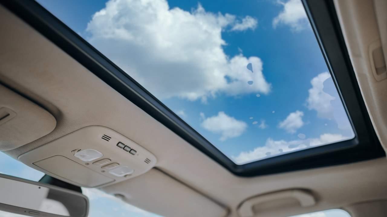 Ηλιοροφή και Επιπρόσθετη Αξία στο Αυτοκίνητο