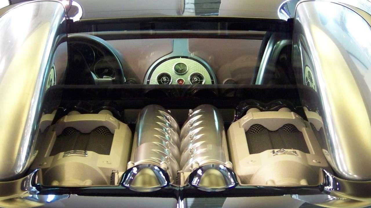 Ποιος Είναι ο Λόγος που η Bugatti Divo θα Κάνει €5 εκ.?